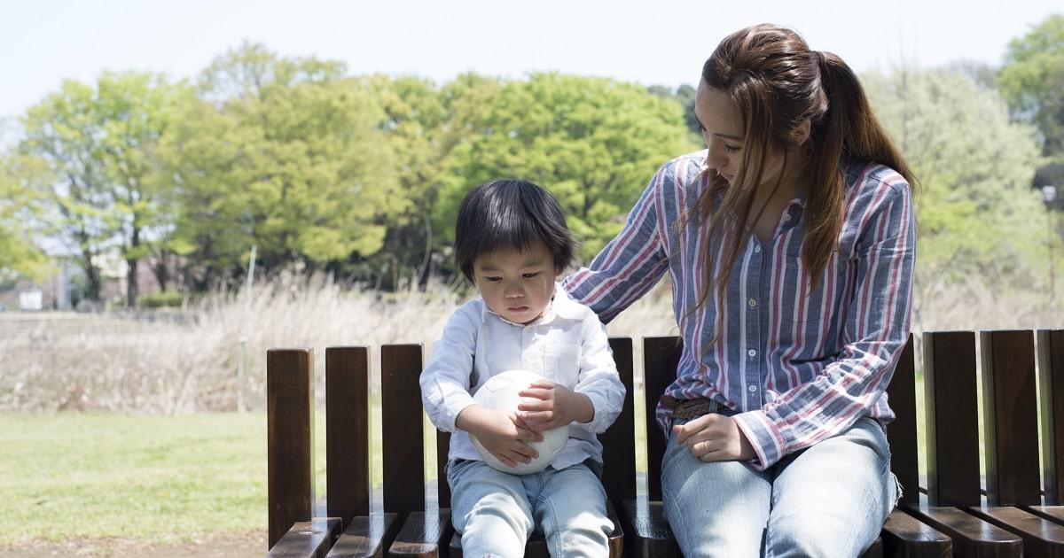 繰り返す、言い換える、気持ちを汲む。親の「能動的な聞き方」が、子どもを問題解決に向かわせる