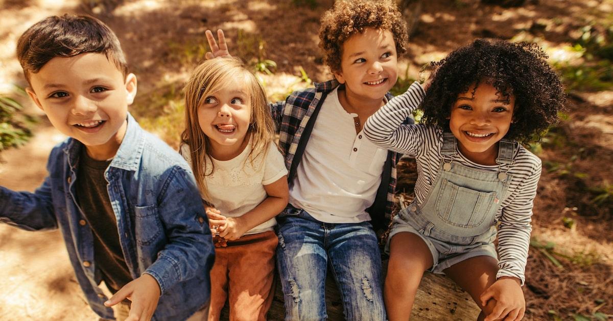 友だちに依存しやすい子は、親が過干渉。お子さんは「ひとりでいる力」をもっていますか?