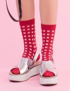 [I HATE MONDAY] red check socks