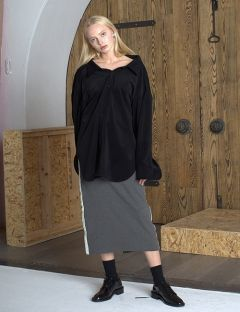 [VUIEL] WOMAN SUEDED PINCHED COLLAR OVERSIZED SHIRT [BLACK]