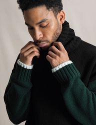 [QT8] MK Turtle Neck Sweater [Black/Green]