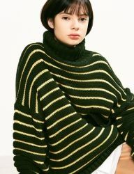 [VOIEBIT] STRIPE POCKET TURTLE NECK KNIT_GREEN