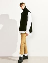 [VOIEBIT] BUTTON TURTLE WOOL VEST KNIT_BLACK