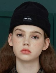 [UNALLOYED] LOGO SHORT BEANIE [BLACK]