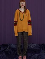 [UNALLOYED] 17FW V NECK LONG SLEEVE KNIT [RE-EDITION] [MUSTARD]