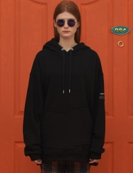 [UNALLOYED] UNBALANCE POCKET HOODIE / BLACK