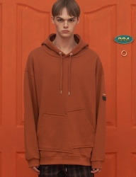 [UNALLOYED] UNBALANCE POCKET HOODIE / ORANGE BROWN