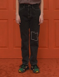[UNALLOYED] SQUARE JEANS / BLACK