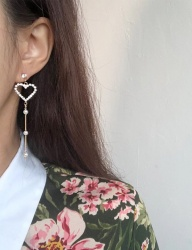 [cheezesalt] IS IT LOVE EARRING