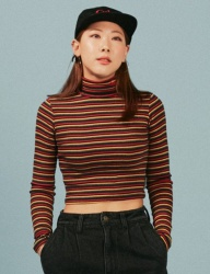[A PIECE OF CAKE] Oval Logo Crop Top_Red