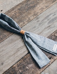 [WILD BRICKS] CHAMBRAY DOT SCARF (blue)