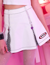 [VVV] VVV WHITE LOGO CHESS PLEATS SKIRT