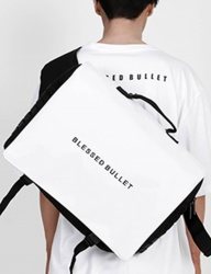 [BLESSED BULLET] SIGNATURE MESSENGER BAG [Black/White]