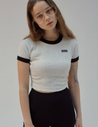 [SCULPTOR] LABELED CROP RINGER TEE