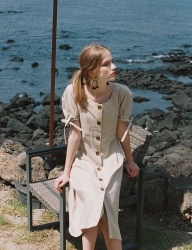 [NOMINATE] LINEN BUTTON DART DRESS SANDBEIGE