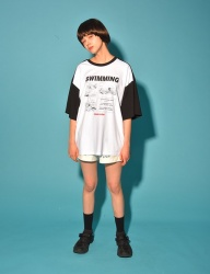 [PIGMILLION] SWIMMING TEE (WHITE/BLACK)