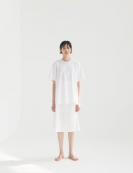 [NONLOCAL] Glossy A-Line Skirt [White]