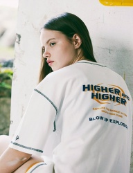 [MAW] Higher and higher logo Stitches Half T-shirt