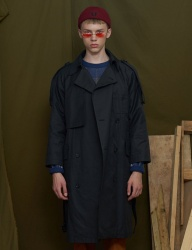 [UNALLOYED] RAGLAN TRENCH COAT [BLACK]