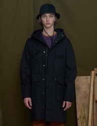 [UNALLOYED] WIDE POCKET PARKA [BLACK]