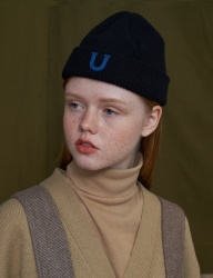 [UNALLOYED] U PATCH SHORT BEANIE [BLACK]