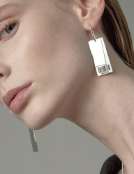 [090FACTORY] [Silver]Barcode tag Earring
