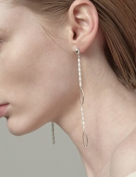 [090FACTORY] [Silver] Pearl stitch Earring(White pearl, Black pearl)