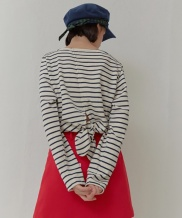 [oioi] SIDE CUTTING SKIRTS_red
