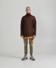 [STONYSTRIDE] BIGGOLGI OVER TURTLENECK - BROWN