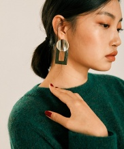 [MIDNIGHT MOMENT] square leather earring