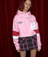 [AT THE MOMENT] Label Crop Hoodie
