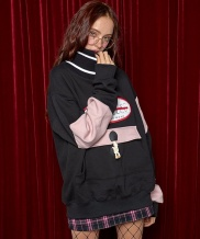 [AT THE MOMENT] Speicial Knit Sweatshirt