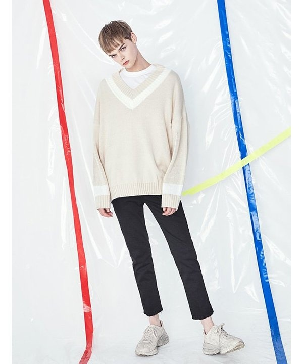 [VOIEBIT] V531 DOUBLE V-NECK KNIT