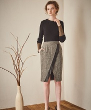 [Maison de Ines] METAL LINE POINT KNIT