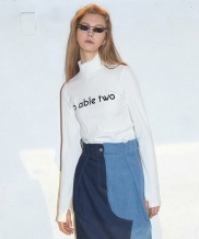 [B ABLE TWO] Logo Turtleneck T-shirts