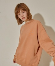[MOL BY MORE OR LESS] CAMPAIGN NAPPING SWEATSHIRTS