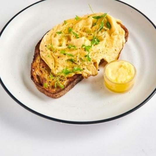 Eggs on Toast (Available 7:00AM - 11:30AM)