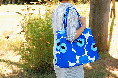 【在庫限り取扱い終了】marimekko/unikko/papaver/トートバッグ(ホワイト×ブルー)の商品写真