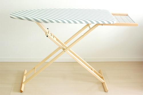 イタリア/ARIS社/木製のアイロン台の商品写真