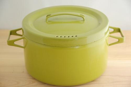 ARABIA FINEL enamel pan アラビア フィネル ホーロー両手鍋 オリーブグリーンの商品写真