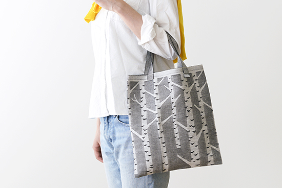 LAPUAN KANKURIT/ラプアン・カンクリ/トートバッグ/白樺柄(ホワイト×ブラック)の商品写真