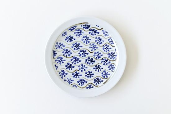 瀬戸焼/藍色花模様/プレート(直径約17cm)の商品写真