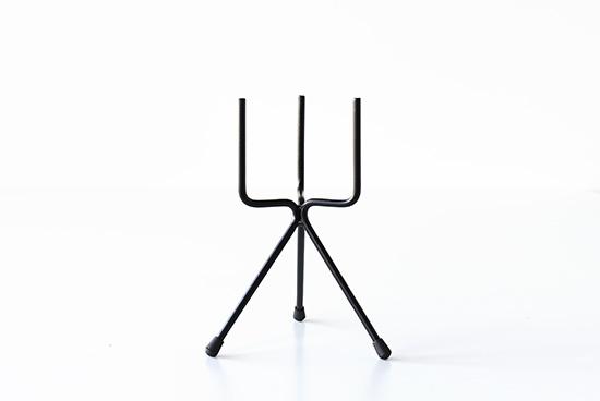 植木鉢スタンド/フォーク・ブラック(径11cm/高さ25cm)の商品写真