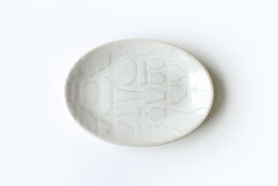 益子焼レリーフ/オーバルプレート/ホワイト(18.5cm)の商品写真