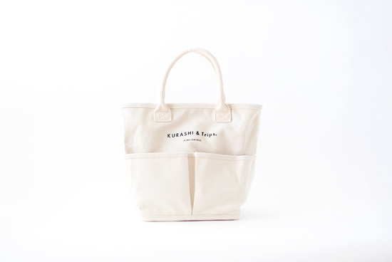 【次回10月再入荷予定】Vegie bag × KURASHI&Trips PUBLISHING/コラボトートバッグ・ミニ (生成り)の商品写真
