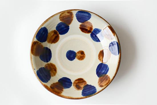 【次回入荷未定】やちむん/飴コバルト点打/7寸皿(径:約22cm)の商品写真