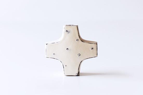 平厚志/クロス型の花器/点模様の商品写真