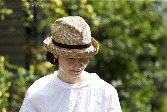 mature ha./マチュアーハ/BOXED HAT(つば幅7cm)/麦わら帽子の商品写真