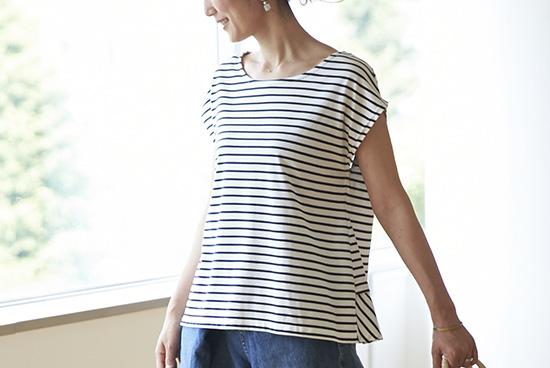 Encachett/アンキャシェット/バックフリルボーダーTシャツ(ホワイト×ネイビー)の商品写真