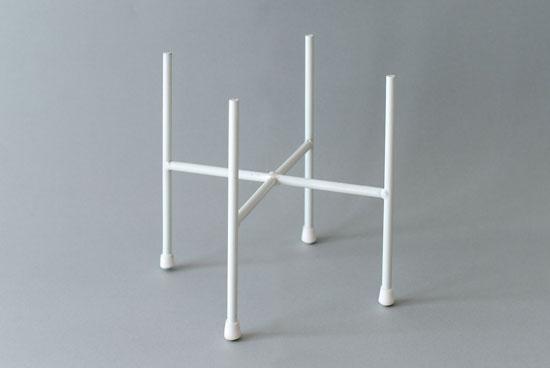 植木鉢スタンド/クロス・ホワイト(径18cm)の商品写真